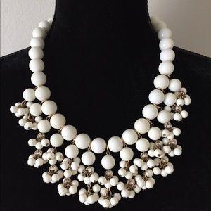 Jewelry - Vintage White Chunky Beaded Bib Necklace